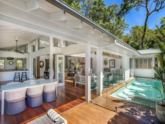 Creating Indoor Outdoor Flow in your home - Image from Katrina Chambers