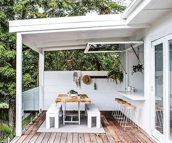 Creating Indoor Outdoor Flow in your home - Image from Homes To Love